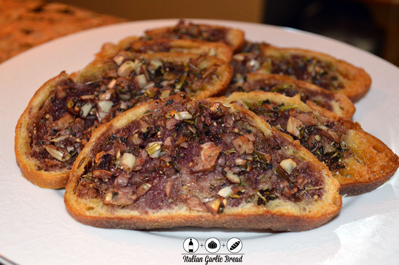 Italian Garlic Bread with Red Wine Base