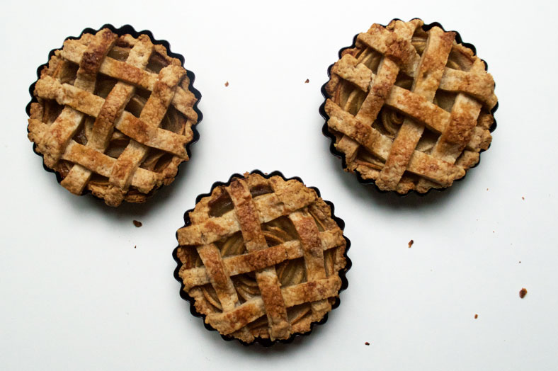 vegan apple pie with lattice top